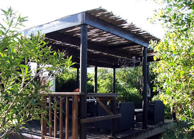 Wooden decks with bluegum-latte pergola finish
